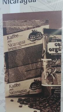 Cafe de Nicaragua. Los colores del empaque tenian la bandera del FSLN